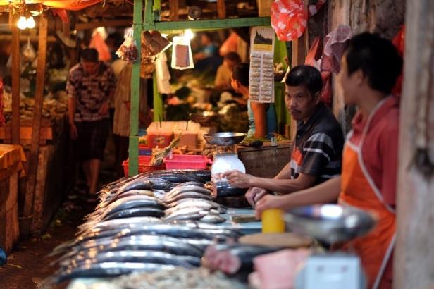 maybe-03-fish-market